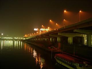 霧の隅田川